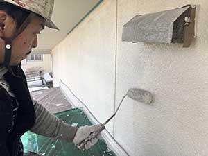 モルタル面の外壁中塗り