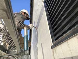 高崎市アイランドパレス 外壁目地 プライマー塗布