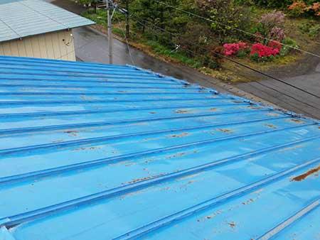 吾妻郡嬬恋村 倉庫兼ガレージ屋根塗装前