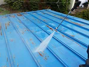 吾妻郡嬬恋村 倉庫兼ガレージ屋根塗装 洗浄