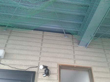 桐生市 ガレージ駐車場天井 鳥避けネット