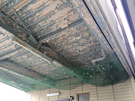 ガレージ駐車場天井塗装前