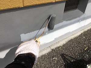高崎市アパート コンクリート基礎の上塗り