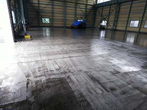 太田市 工場内 床下塗り後