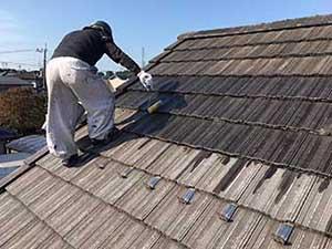 吉岡町 屋根塗装 下塗りシーラー1回目