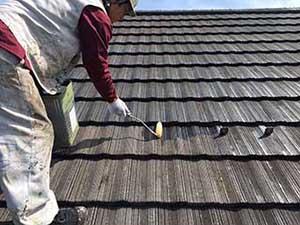 吉岡町 屋根塗装 下塗りシーラー2回目