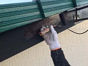 前橋市岩神町 破風板の上塗り