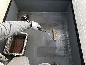 前橋市岩神町 ベランダ防水塗装。プライマー
