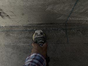 前橋市天川大島町 屋上FRP防水トップコート塗装前の研磨