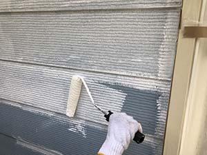 前橋市天川大島町屋根外壁塗装 壁下塗り