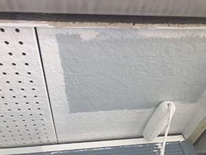 前橋市天川大島町屋根外壁塗装 軒天下塗り