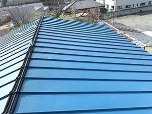 伊勢崎市 屋根カバー工法 ガルバニウム鋼板屋根張り