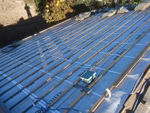 屋根葺き直し 桟木取付