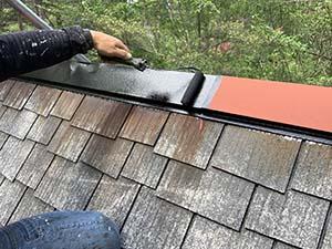 別荘屋根 棟板金塗装