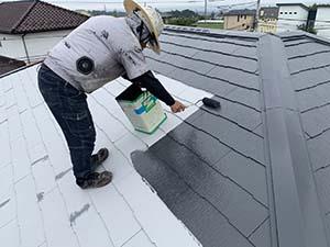 コロニアル屋根塗装 中塗り