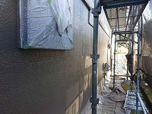 前橋市 吹き付けタイル外壁 中塗り後